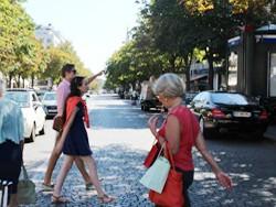 40代からの「お悩み解消」ファッションテクニック ~ パリジェンヌに学ぶ着こなしテクニック